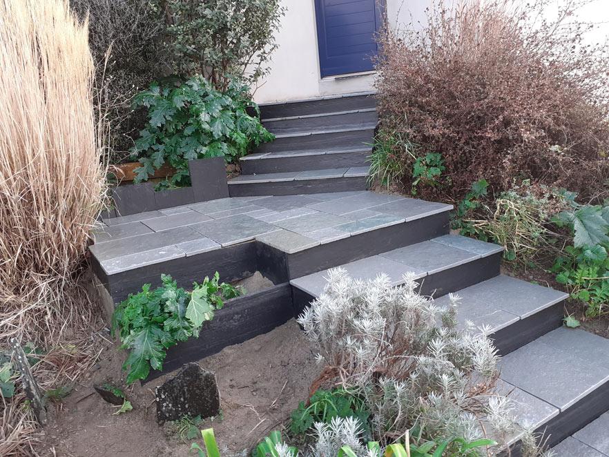 Escalier en Tandur avec contre-marches en ardoise à Quimper