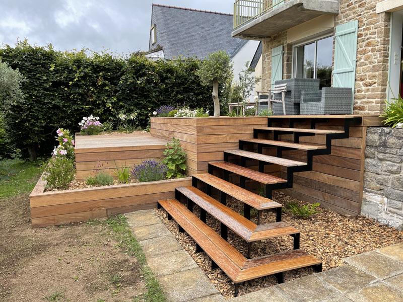 Terrasses en bois et escalier